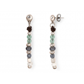 pendientes uno de 50. earrings, boucles d'oreille